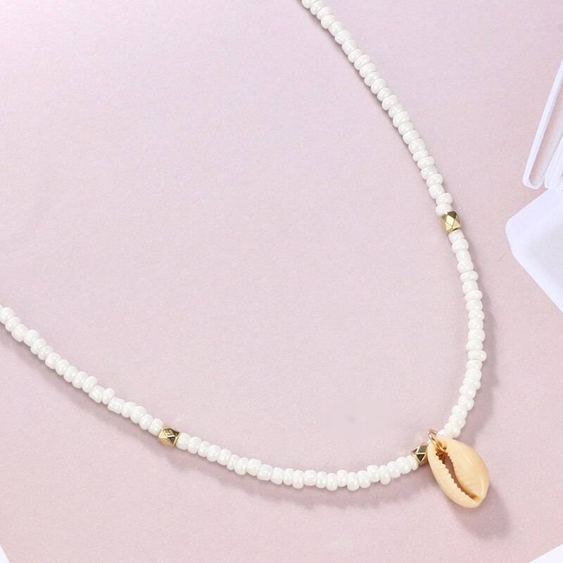 Shell Decorated Choker Necklace